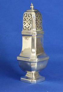 A very nice 20th Century English Silver Sugar Caster, height 18 cm. Price 250 euro reduced to 195 euro