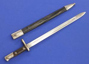 A very nice antique Spanish Bayonet Model 1913, Artilleria. National. Toledo, length 54 cm, in very good condition. Price 125 euro