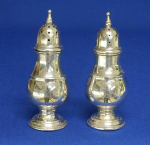 A very nice Sterling Silver Salt & Pepper Set, height 8,5 cm, in very good condition. Price 140 euro reduced to  110 euro