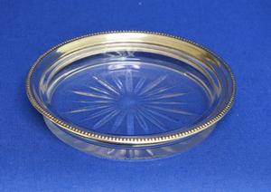 A very nice Sterling Silver Coaster by FRANK M WHITING & CO, diameter 11.3 cm, in very good condition. Price 75 euro reduced to 45 euro