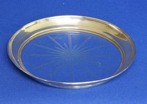 A very nice Sterling Silver Coaster, diameter 12.5 cm, in very good condition. Price 75 euro reduced to 49  euro