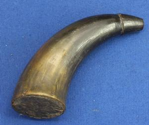 A very nice antique 19th century Powder Horn, length 14 cm, in  very good condition. Price 50 euro