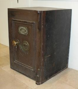 A very nice vintage antique English Safe, height 71 cm. Price 975 euro