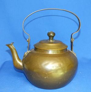 A very nice 19th Century antique Dutch Swing Handle Copper Kettle (So cald Appelketel), diameter 21 cm, Price 500 euro