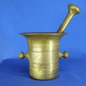 A very nice 19th Century antique English Brass Mortar and Pedle. Height 15 cm. Price 200 euro