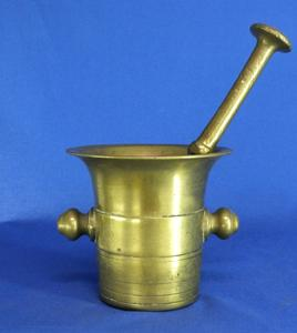 A very nice 19th Century English Brass Mortar and Pestle, heigth 13 cm. Price 150 euro
