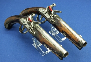 A fine antique 18th Century Liege Pair Flintlock Pistol by T. MINICK, caliber 14 mm, length 36 cm, in very good condition. Price 3.750 euro