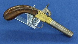 A fine antique 19th Century English Percussion Pocket Pistol, caliber 12 mm, length 20 cm, in very good condition. Price 475 euro