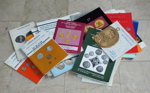 A very interesting Lot of 38 catalogs of Coins from several Auction Houses. Total 40 euro