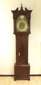 A very nice antique 19th Century English (Scottish) Mahogany Longcase Clock by John Thomson Lesslie, height 230 cm, in very good condition. Price 1.250 euro