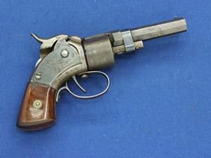 A very nice antique Maynard Tape Primed Pocket Revolver, circa 1882, .28  caliber, in nearly mint condition. Price 2.400 euro