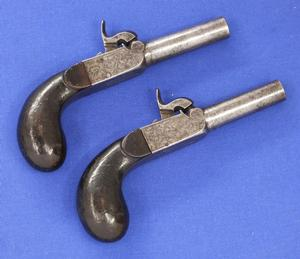 A very nice French Pair Antique Percussion Pocket Pistols, caliber 11 mm, length 16 cm, in very good condition. Price 850 euro